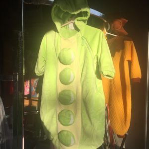 Super cute and warm! Infant pea pod costume 6-12 mo for Sale in Portland, OR