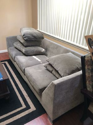 Gray sofa. Super comfy. for Sale in Massapequa Park, NY
