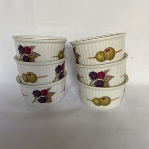 Royal Worcester Fine porcelain souffle bowl for Sale in West Palm Beach, FL