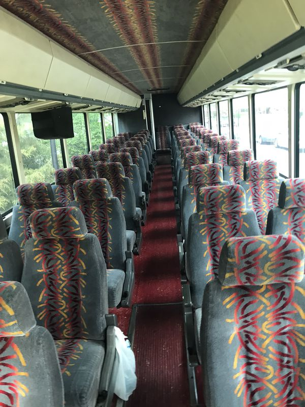 47 passengers bus new Diesel engine TVs and dvd everything work cold AC/and hot heat