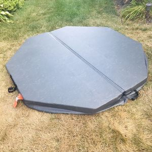 Spa Hot Tub Cover for Sale in Galloway, OH