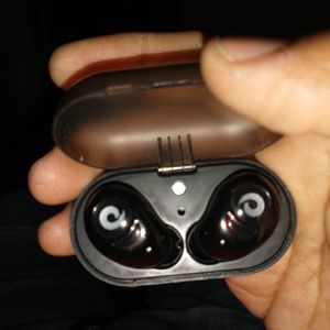 Bluetooth earbuds with charger and charging box for Sale in San Diego, CA