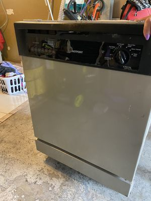 Kitchen appliance dishwasher, microwave , stove , stove exhaust fan for Sale in St. Petersburg, FL
