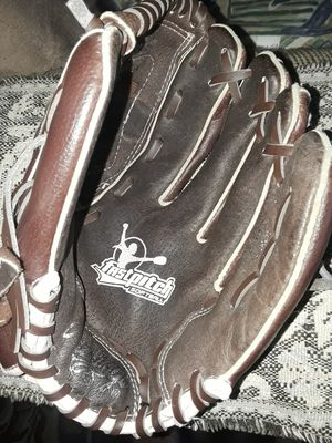 Rawlings girl 11 inch fastpitch softball glove right hand for Sale in El Cajon, CA