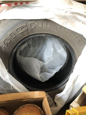 Michelin LTX 235 75r 16 One used good tires for Sale in Tacoma, WA