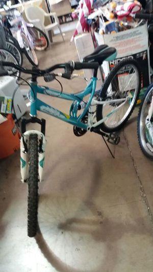 Women's 26 inch Huffy Trail Runner mountain bike for Sale in Phoenix, AZ