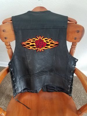 Leather king motorcycle vest size 40 for Sale in Dunedin, FL