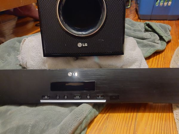 LG Sound bar & Subwoofer w/Remote Controller (Bluetooth/Wireless or USB Cord) Surround Sound