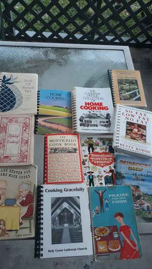 Unique set of cookbooks for Sale in Port Neches, TX