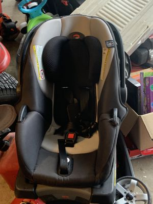 GB baby car seat and push stroller for Sale in Deltona, FL