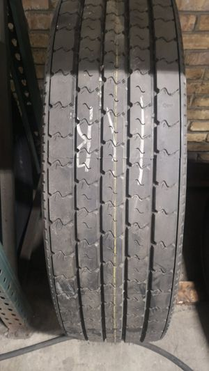 New Recap trailer tire 11r for Sale in Elgin, IL