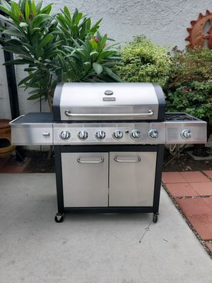 Gas Bbq Grill with side burner. for Sale in Long Beach, CA