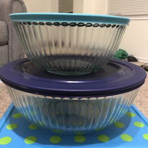 Pyrex container set - 2 pcs with lid for Sale in Irving, TX