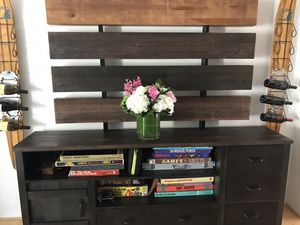 Entertainment center/ TV stand for Sale in Oakland Park, FL