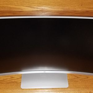 "HP 27"" Curved LED Monitor, Pike Silver, Model HP27SC1 for Sale in Union, NJ"