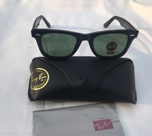 Ray ban wayfarer 2140 sunglasses for Sale in San Francisco, CA