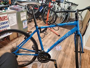 Trek 24 speed Carbon fiber flat bar road bike $500 for Sale in Queens, NY