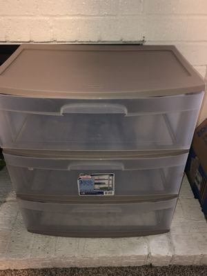 3 drawer plastic storage box. for Sale in Bedford, TX