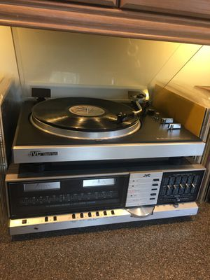 JVC / Advent stereo system - Receiver, Turntable and Speakers! for Sale in Tacoma, WA