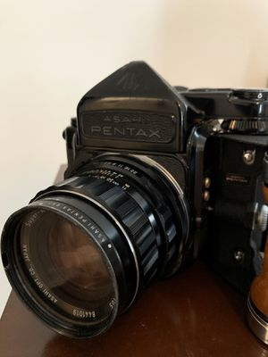 Pentax 6x7 with SMC 105mm f2.4 and metered prism for Sale in City of Industry, CA