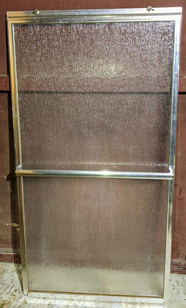 Glass shower doors (2)