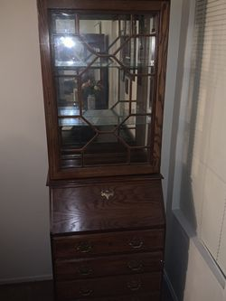 Wooden Display Case W/ Glass Shelves for Sale in Fresno,  CA