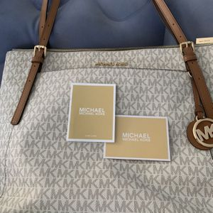 Authentic Michael Kors Tote Bag for Sale in Spring Valley, CA