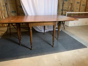 Antique Drop-Leaf Dining Breakfast Table for Sale in Spring Valley, NY