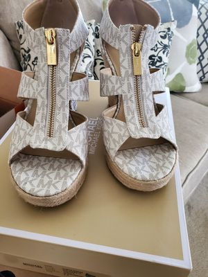 Michael kors wedges for Sale in Haines City, FL