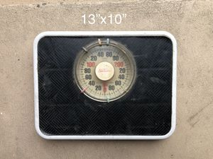 Bathroom Scale, Body Weight Scale, no batteries needed for Sale in Los Angeles, CA