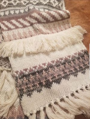 Nwt AMERICAN EAGLE knit boho fringe scarf Firm, ships only for Sale in Hollywood, FL