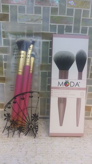 Makeup brushes new for Sale in Houston, TX