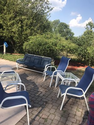 Outside patio furniture for Sale in Sterling Heights, MI