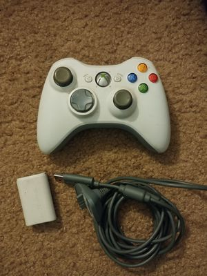 Xbox 360 controller w/ battery+charging cable for Sale in Anaheim, CA