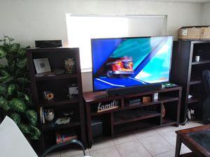 Entertainment center for Sale in Jan Phyl Village, FL
