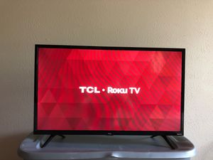 32 inch smart TV like brand new for Sale in Plano, TX