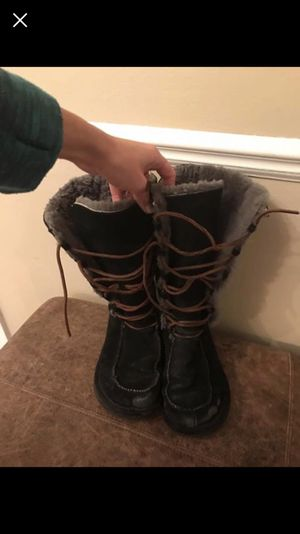 Uggs size 8 for Sale in Grosse Pointe, MI