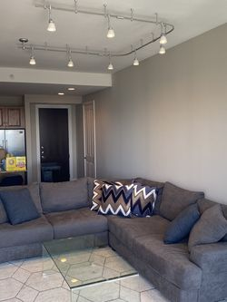 Large Sectional & Throw Pillows (Like New) for Sale in Houston,  TX
