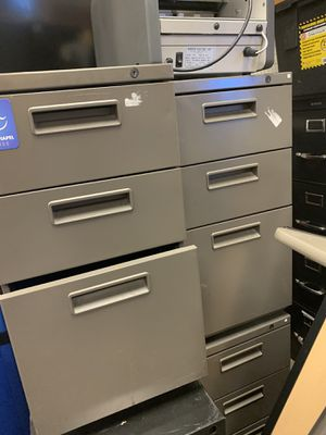 3 filing cabinets for Sale in Surprise, AZ