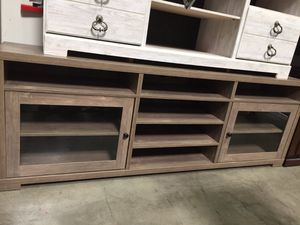 Aubrey Tv Stand for Tvs up to 80 Inch, Hazelnut, 172174TV for Sale in Santa Fe Springs, CA