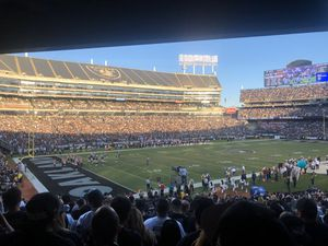Raiders vs Jags section 123 row 33 seats 9,10,11 for Sale in San Jose, CA