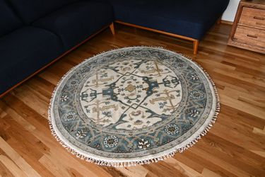 5'3 X5'3 Hand Knoted Turkish Oushak Rug for Sale in Portland,  OR