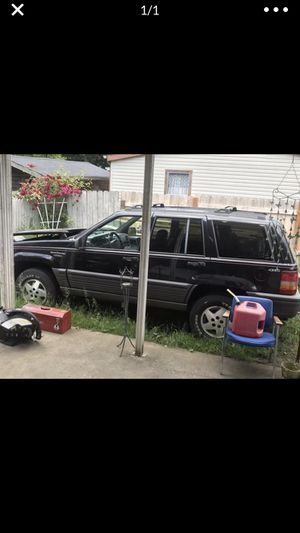 Jeep Cherokee Laredo for Sale in Aurora, OR