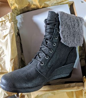 Brand New UGG authentic Leather Uptown Wedge boots Black women size 9, IN Original box for Sale in San Francisco, CA