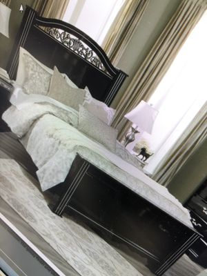 Queen size bed frame as seen in picture Dresser w/mirror for Sale in Enterprise, AL