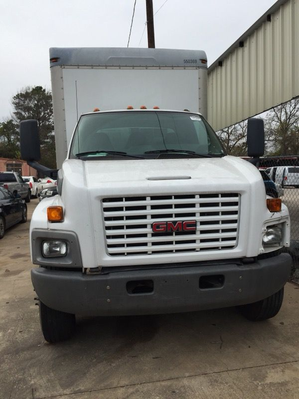 2005 G M C C7 With 175000 miles The engines is rebuilt. It has 24 foot long bed The A / C has new compressor $15,000