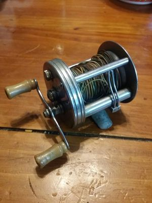 Vintage Flueger Fishing Reel Pat.1943 for Sale in Atlanta, GA