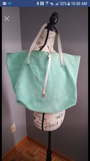 Tiffany and Co. TOTE for Sale in Cleveland, OH