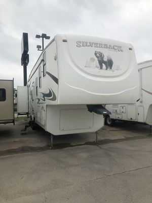 Silverback bunkhouse fifth wheel trailer camper with bunks for Sale in Oklahoma City, OK