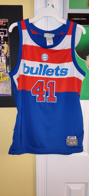Wes unseld youth medium jersey for Sale in North Springfield, VA